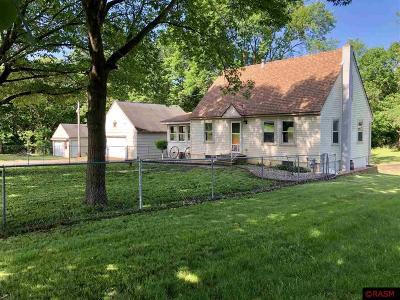 Le Sueur Single Family Home For Sale: 33298 301st Avenue