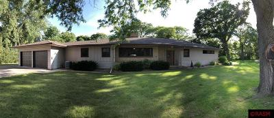 Blue Earth County, Le Sueur County, Rice County, Steele County, Waseca County Single Family Home For Sale: 8 Lee Court