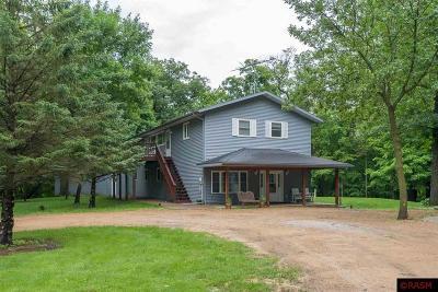 Le Sueur Single Family Home For Sale: 31043 351st Lane