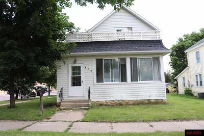 St. Peter Single Family Home For Sale: 429 W Walnut Street