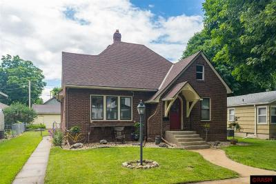 Nicollet County Single Family Home For Sale: 511 Wall Street