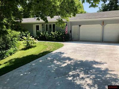 St. Peter Single Family Home For Sale: 522 W Skaro Street