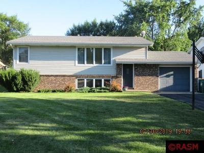 Le Sueur Single Family Home For Sale: 106 Barony Road