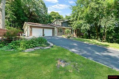 Nicollet County Single Family Home For Sale: 904 Belvista Drive