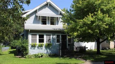 Nicollet County Single Family Home For Sale: 612 Range Street