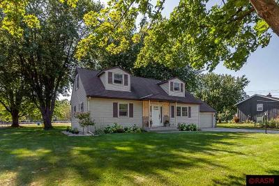 Nicollet County Single Family Home For Sale: 1607 Clare Court