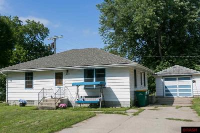 Le Sueur Single Family Home For Sale: 209 Cantwell Street