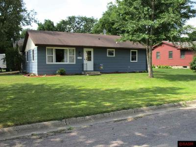 Le Sueur MN Single Family Home For Sale: $144,500