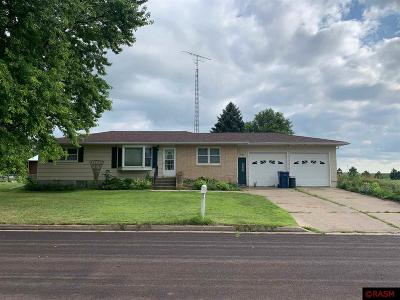 Lafayette MN Single Family Home For Sale: $120,000