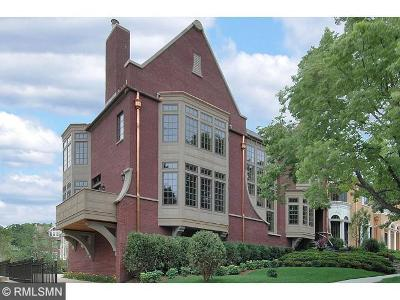 Minneapolis Condo/Townhouse For Sale: 1301 Mount Curve Avenue