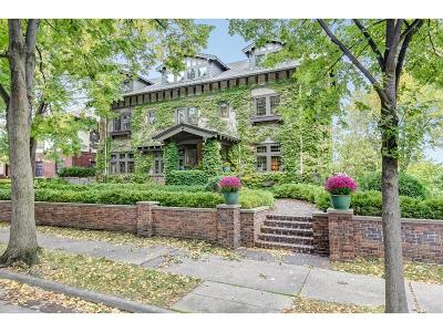 Minneapolis Single Family Home Sold: 2500 Lake Place