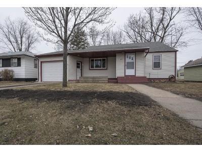 Waite Park Single Family Home For Sale: 41 10th Avenue N