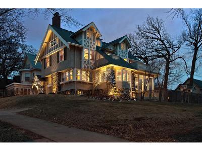 Minneapolis Single Family Home Sold: 1721 James Avenue S