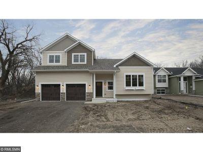 Prescott Single Family Home For Sale: 579 Pleasant Avenue