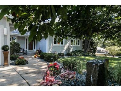 Lakeville Single Family Home For Sale: 10115 Oak Shore Drive