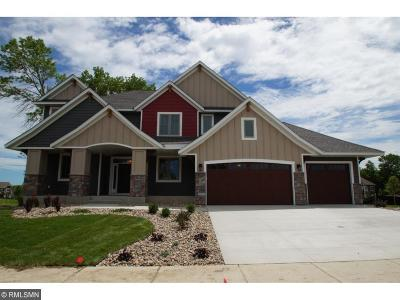 Maple Grove Single Family Home Contingent: 7916 Shadyview Lane N