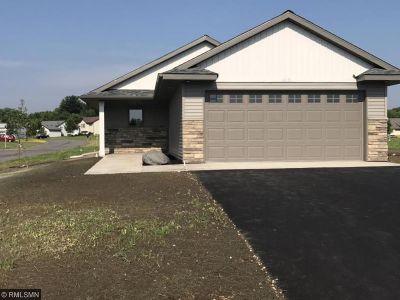 Mora Single Family Home For Sale: 413 Cardinal Street