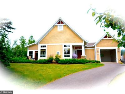 Two Harbors Single Family Home For Sale: 596 Larsmont Way