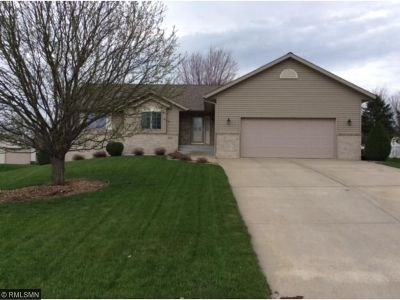 Melrose Single Family Home For Sale: 124 7th Street NE