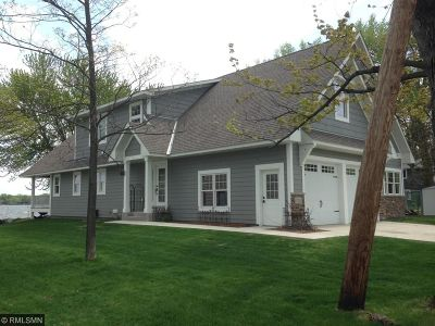 Single Family Home Contingent: 17121 Sunset Avenue NW