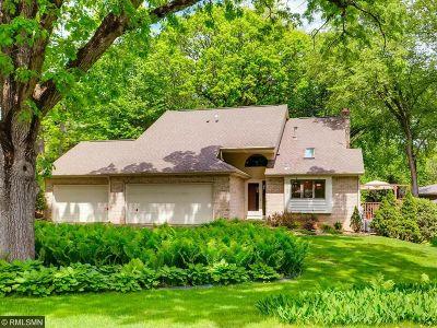 Bloomington Single Family Home For Sale: 8108 Oakmere Road