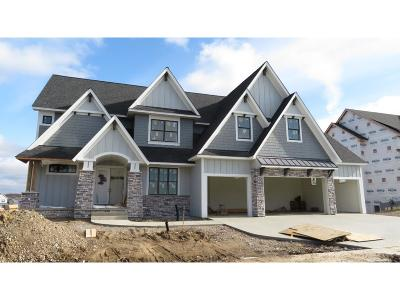 Plymouth Single Family Home For Sale: 5680 Zanzibar Lane N