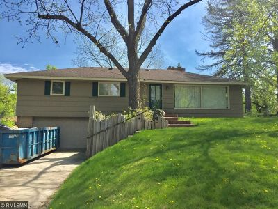 Edina Single Family Home For Sale: 6017 Walnut Drive