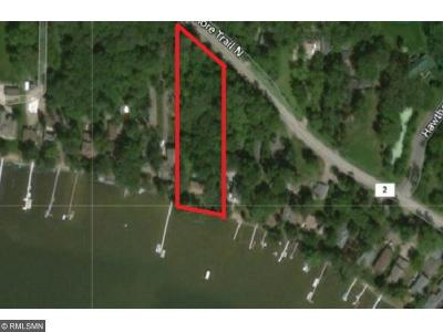Forest Lake Single Family Home For Sale: 7241 N Shore Trail N