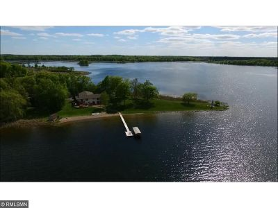 Chisago County, Isanti County, Pine County, Kanabec County Single Family Home For Sale: 26426 John Avenue