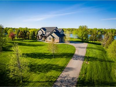 Lakeville Single Family Home For Sale: 23405 Grandview Trail