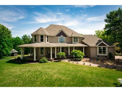 Lakeville Single Family Home For Sale: 24735 Emerald Lane