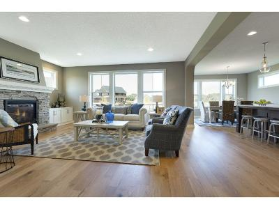 Lakeville Single Family Home For Sale: 16427 Equestrian Trail