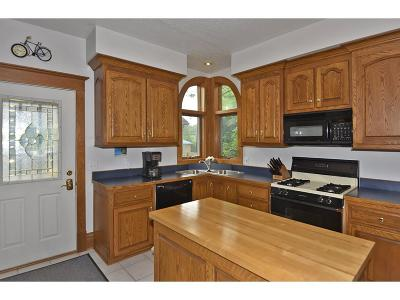 Faribault Single Family Home For Sale: 915 Central Avenue N