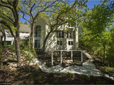 Golden Valley Single Family Home For Sale: 817 Westwood Drive S