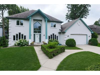 Lakeville Single Family Home For Sale: 16790 Jalisco Terrace W