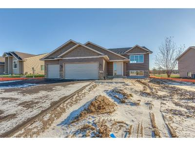 Isanti Single Family Home For Sale: 1103 Ironwood Avenue SW