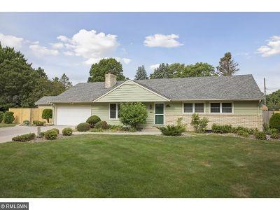 Edina Single Family Home For Sale: 6624 Naomi Drive