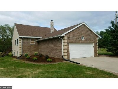 Buffalo Single Family Home For Sale: 7832 Baker Avenue NW
