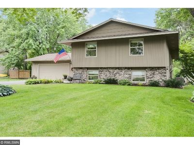 Plymouth Single Family Home For Sale: 625 Sycamore Lane N