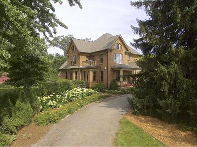 Cambridge Single Family Home For Sale: 3375 Stark Road NE