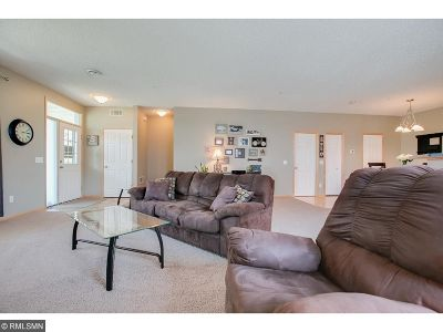 Plymouth Condo/Townhouse For Sale: 4920 Underwood Lane N #A