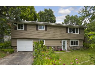 Maple Grove Single Family Home For Sale: 6768 Berkshire Lane N