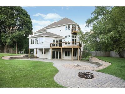 Plymouth Single Family Home For Sale: 2635 N Pilgrim Lane N