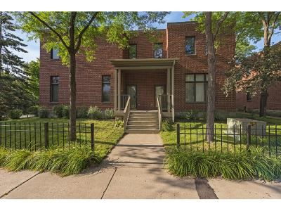 Minneapolis Condo/Townhouse For Sale: 2002 S 6th Street