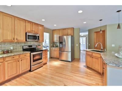 Eden Prairie Single Family Home For Sale: 8809 Cottonwood Lane