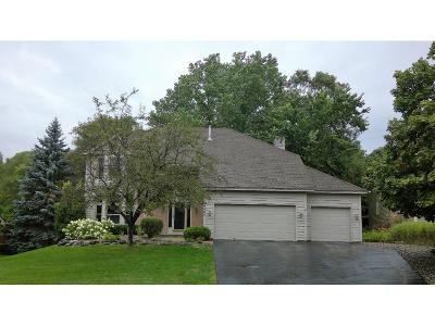 Eagan Single Family Home For Sale: 4005 Deerwood Trail