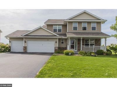 Lakeville Single Family Home For Sale: 16603 Falkirk Trail