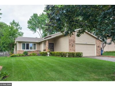 Lakeville Single Family Home For Sale: 1006 157th Street W