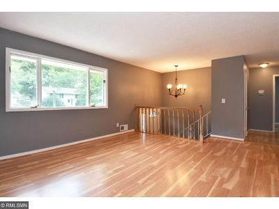 New Brighton Single Family Home For Sale: 526 Continental Drive
