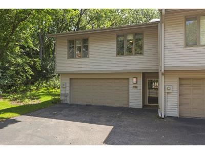 Edina Condo/Townhouse For Sale: 6428 Red Fox Court